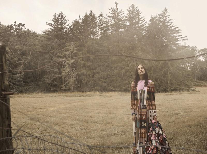 Elle USA October 2017-Amanda-Wellsch (5).jpg