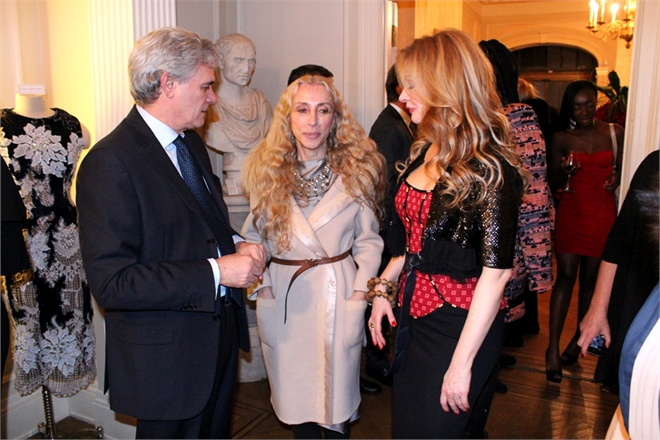 Ambassador Cesare Maria Ragaglini, Franca Sozzani and Evie Evangelou at a 2012 benefit for a collaboration between Fashion 4 Development and Every Woman Every Child.