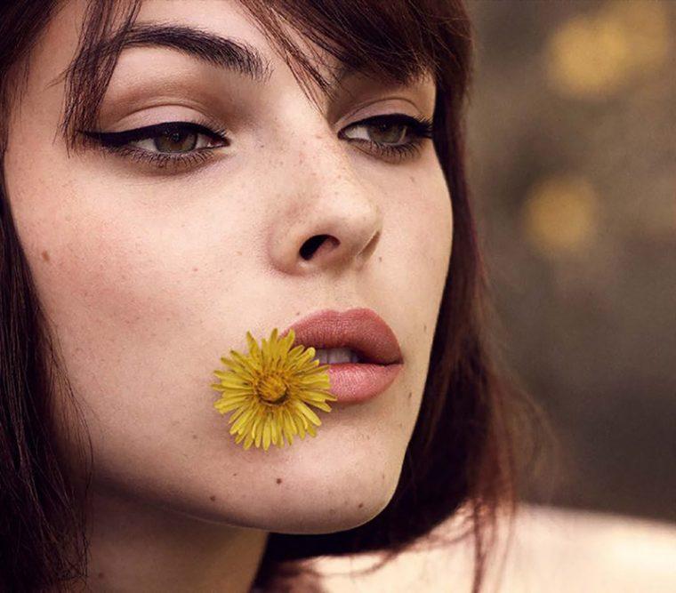 Vittoria-Ceretti-by-Luigi-Iango-for-Vogue-Germany-November-2017- (3).jpg