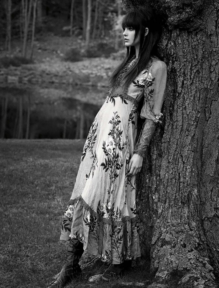 Vittoria-Ceretti-by-Luigi-Iango-for-Vogue-Germany-November-2017- (6).jpg
