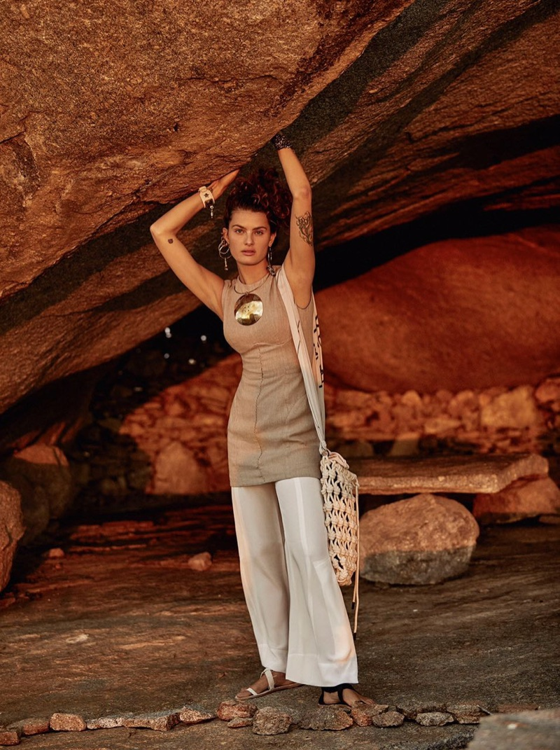 Isabeli-Fontana-Vogue-Brazil-October-2017- (4).jpg