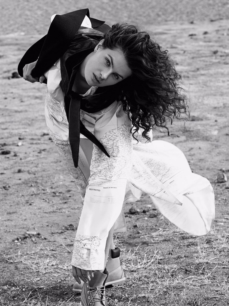 Isabeli-Fontana-Vogue-Brazil-October-2017- (7).jpg