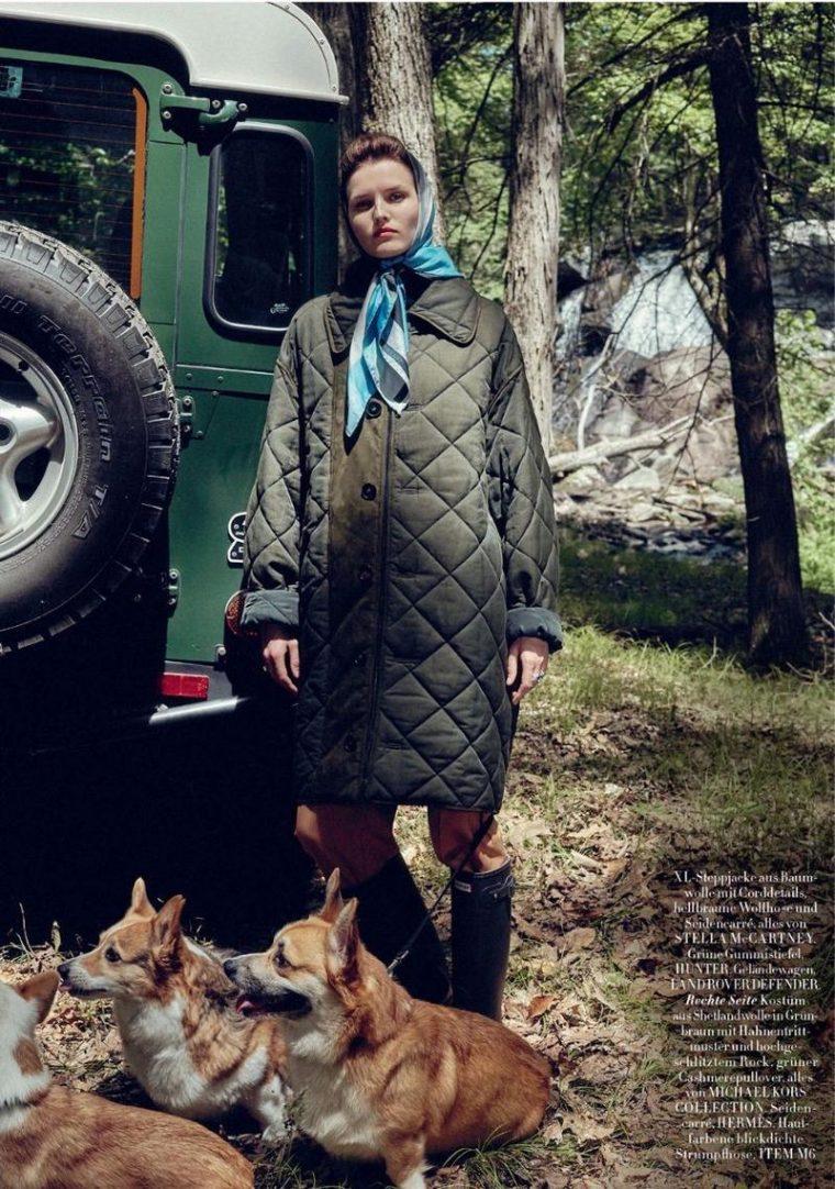 Katlin-Aas-by-Sofia-Mauro-for-Harpers-Bazaar-Germany-November-2017- (9).jpg