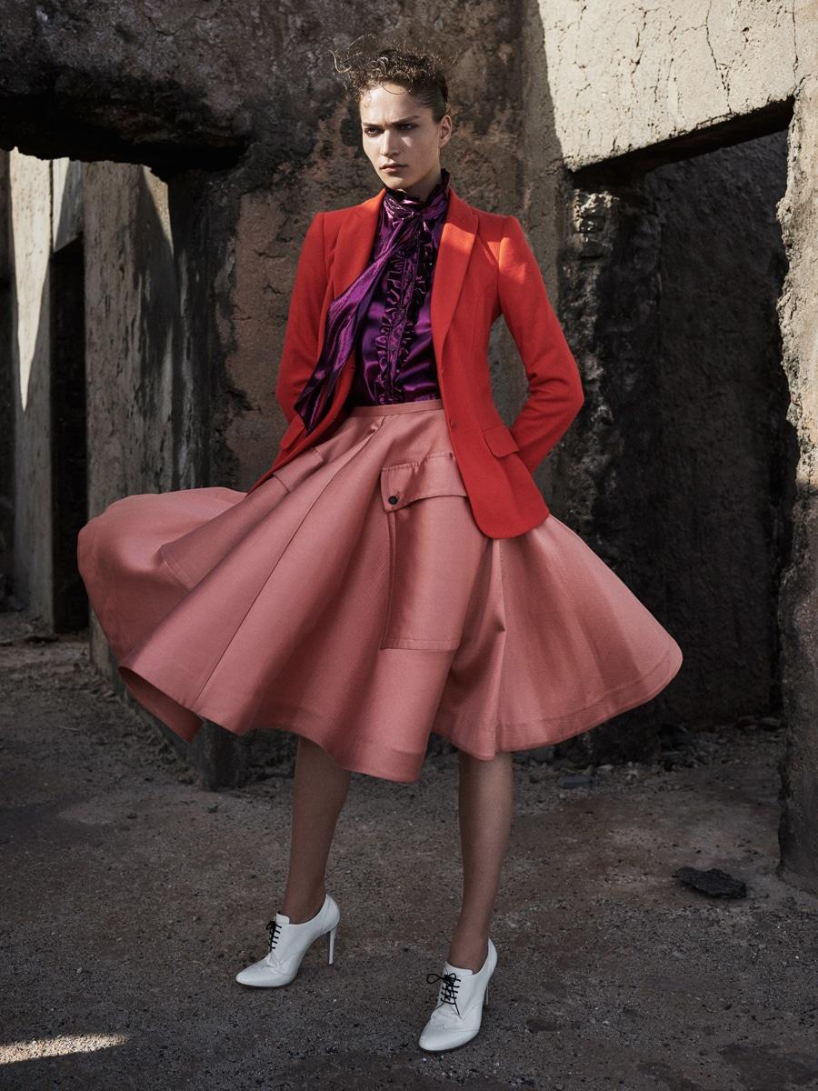 Harpers-Bazaar-Netherlands-Valentine-Bouquet-Zoltan-Tombor-2.jpg