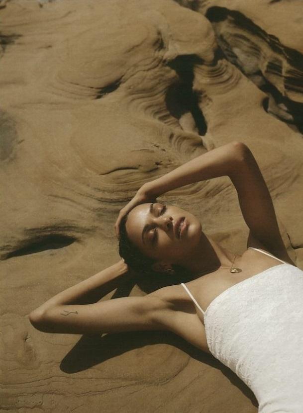 Frida-Munting-by-Anya-Holdstock-for-British-Girls-No (5).jpg