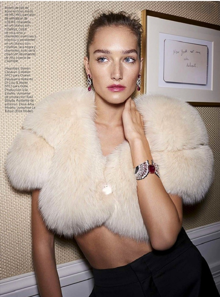 Harpers-Bazaar-Spain-December-2017-Josephine-Le-Tutour-Zoltan-Tombor-8.jpg