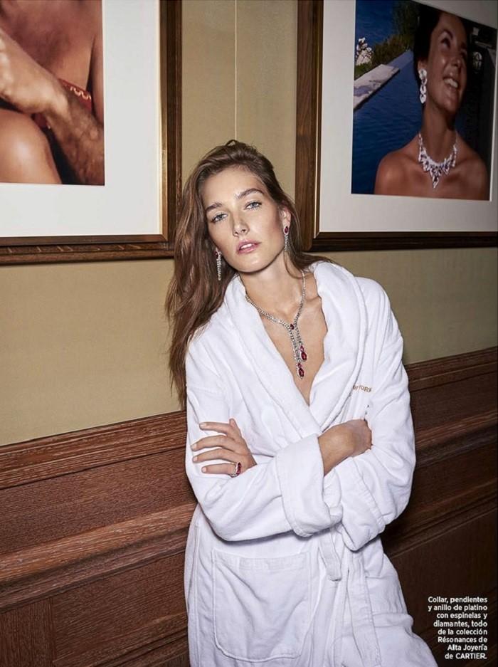 Harpers-Bazaar-Spain-December-2017-Josephine-Le-Tutour-Zoltan-Tombor-10.jpg