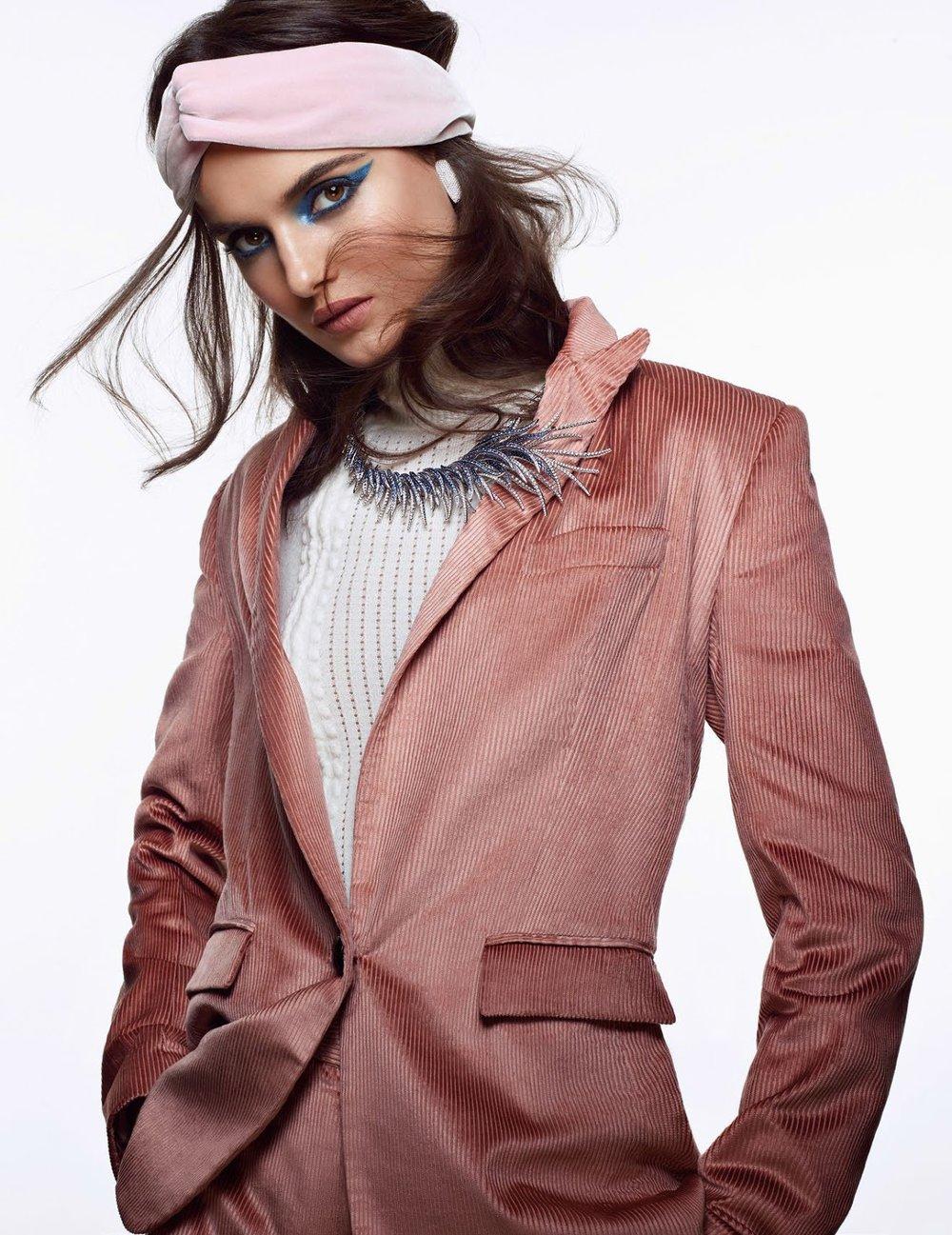 Vogue Arabia December 2017 - 1.jpg