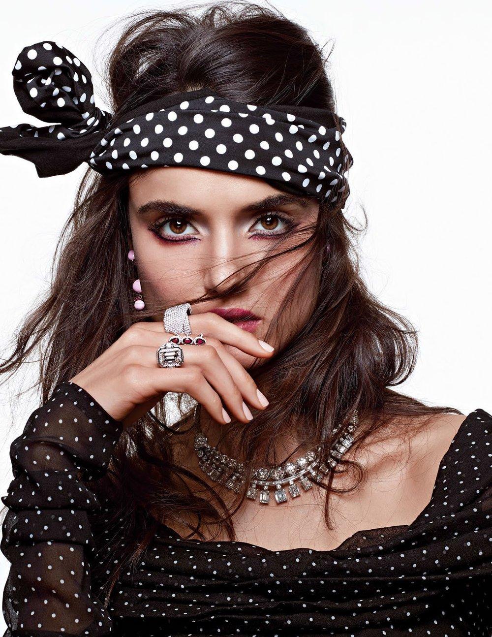 Vogue Arabia December 2017 - 2.jpg