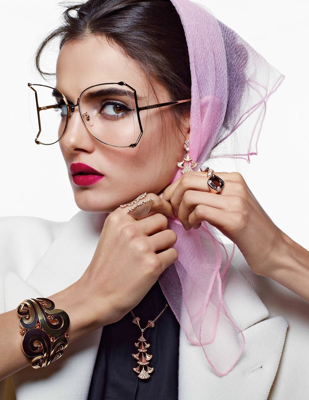 Vogue Arabia December 2017 - 5.jpg