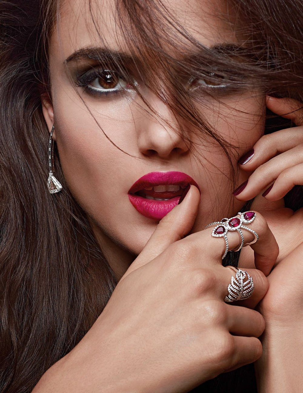 Vogue Arabia December 2017 - 7.jpg