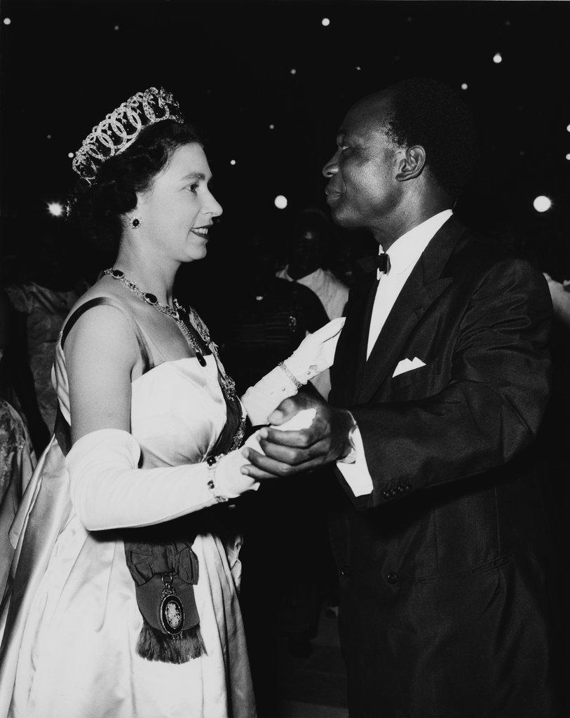 Queen-Elizabeth-Trip-Ghana-Crown (3).jpg
