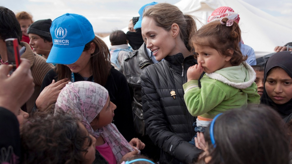 angelina_jolie_syria_jordan_visit_unhcr_december_6_2012.jpg