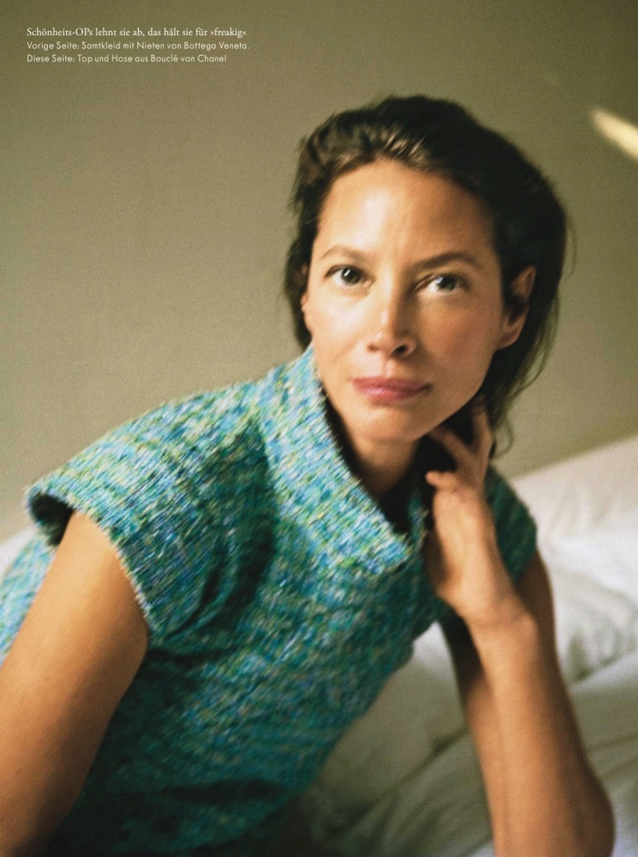 Christy-Turlington-Pamela-Hanson-Zeit-Magazine- (5).jpg