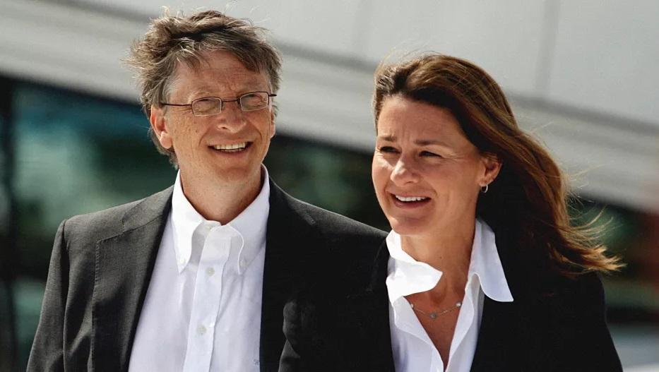 Bill-Melinda-Gates-female-empowerment-.jpg