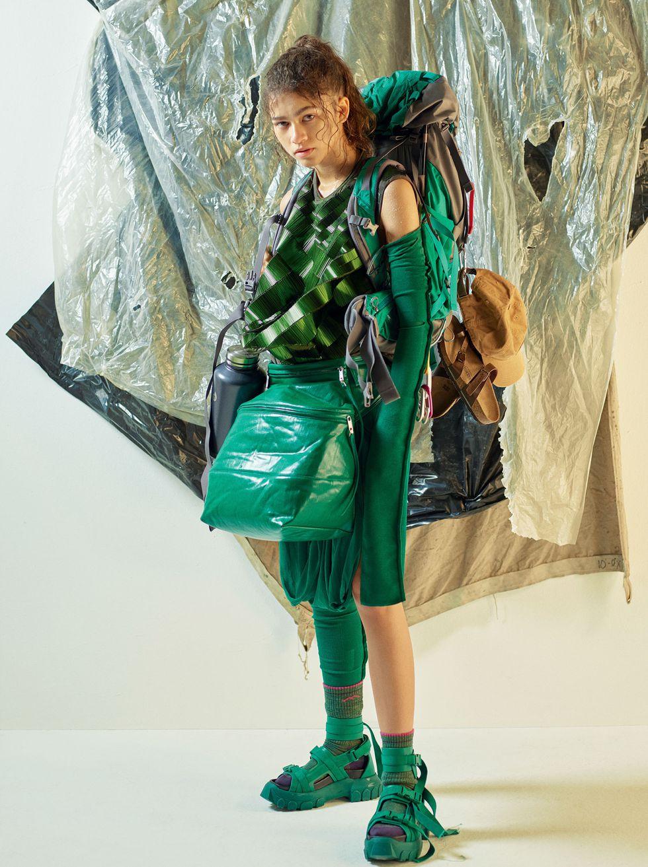 zendaya-cr-fashion-book-7-1517440607.jpg