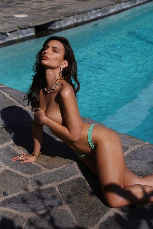Emily-Ratajkowski-Inamorata-swimwear- (4).jpg