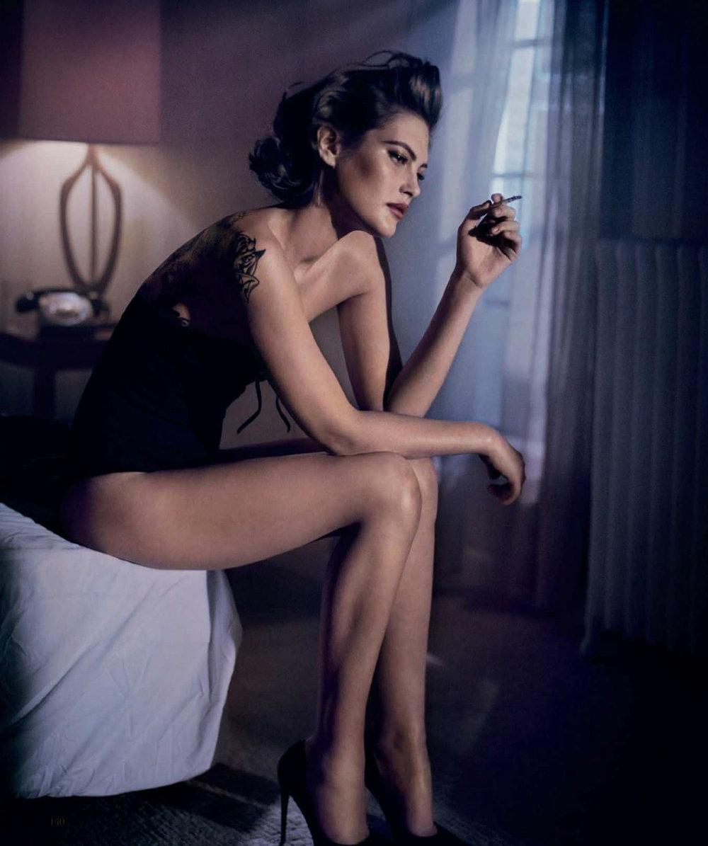 Catherine-McNeil-Vincent-Peters-Harper's-Bazaar-Spain-  (4).jpg