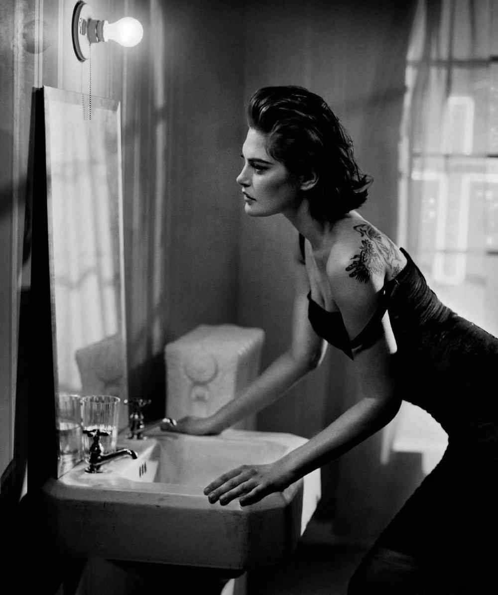 Catherine-McNeil-Vincent-Peters-Harper's-Bazaar-Spain-  (6).jpg