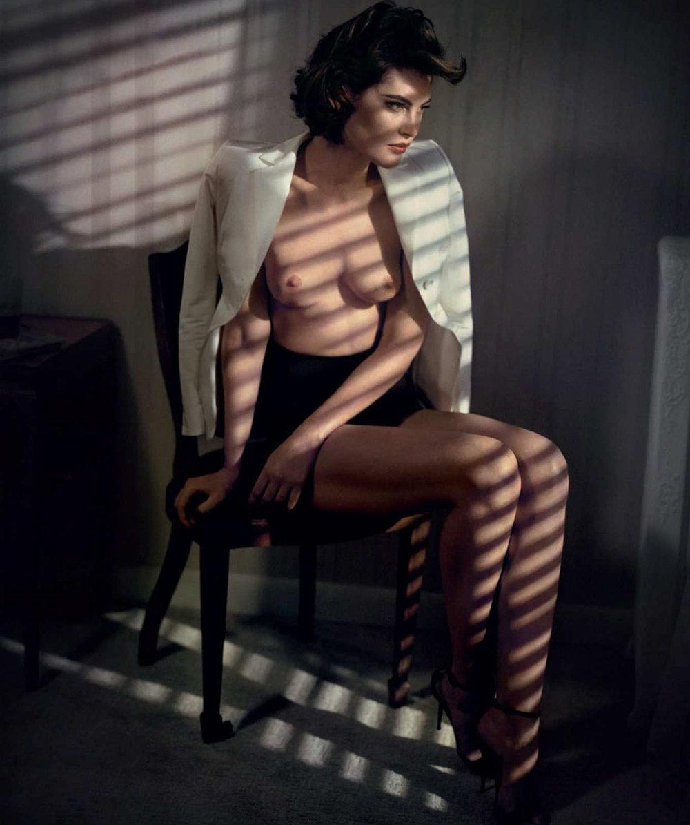 Catherine-McNeil-Vincent-Peters-Harper's-Bazaar-Spain-  (7).jpg