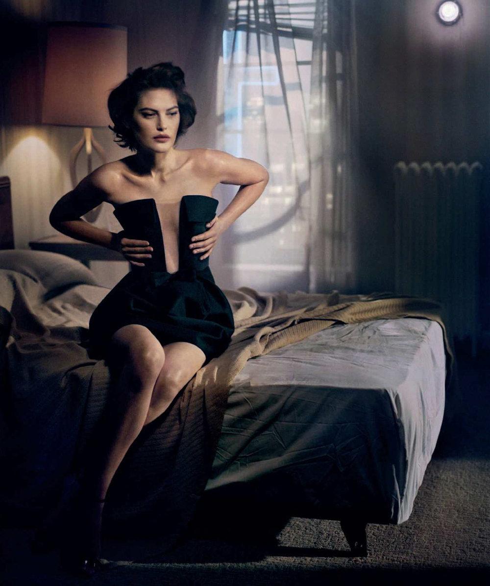 Catherine-McNeil-Vincent-Peters-Harper's-Bazaar-Spain-  (10).jpg