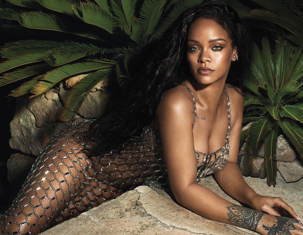 Rihanna-mert-marcus-vogue-june-2018- (1).jpg