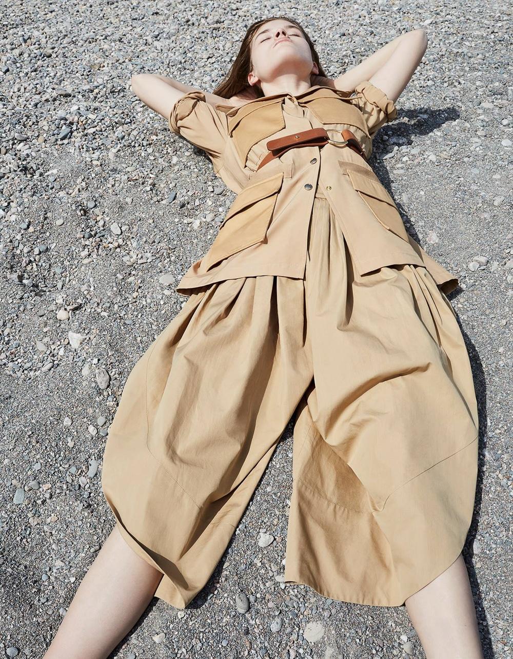Vogue-Poland-Molly-Smith-Agata-Pospieszynska-2.jpg