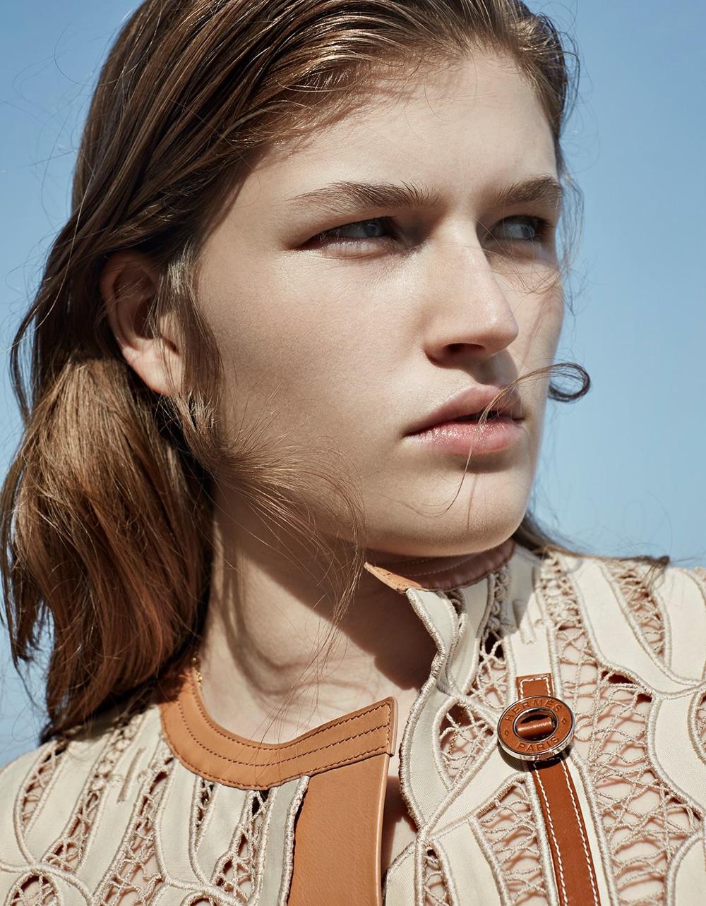 Vogue-Poland-Molly-Smith-Agata-Pospieszynska-13.jpg