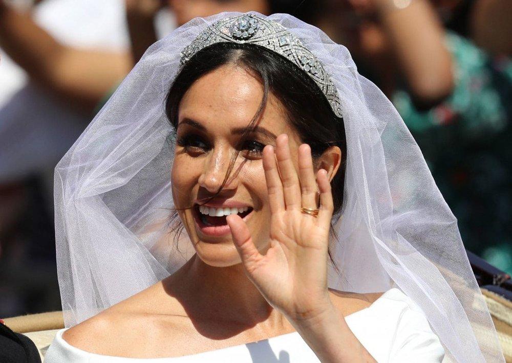 tiara lent to meghan markle.jpg