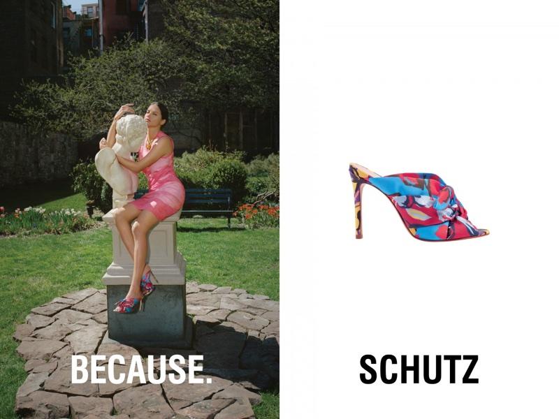 Adriana-Lima-Schutz-Summer-2018-Campaign02.jpg