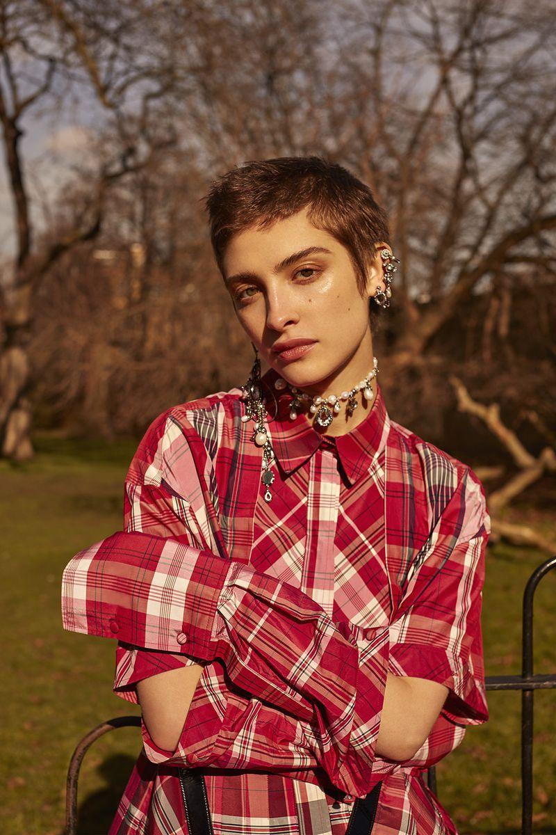 Lera Abova by Agata Pospieszynska for Harper's Bazaar Russia May 2018 (11).jpg