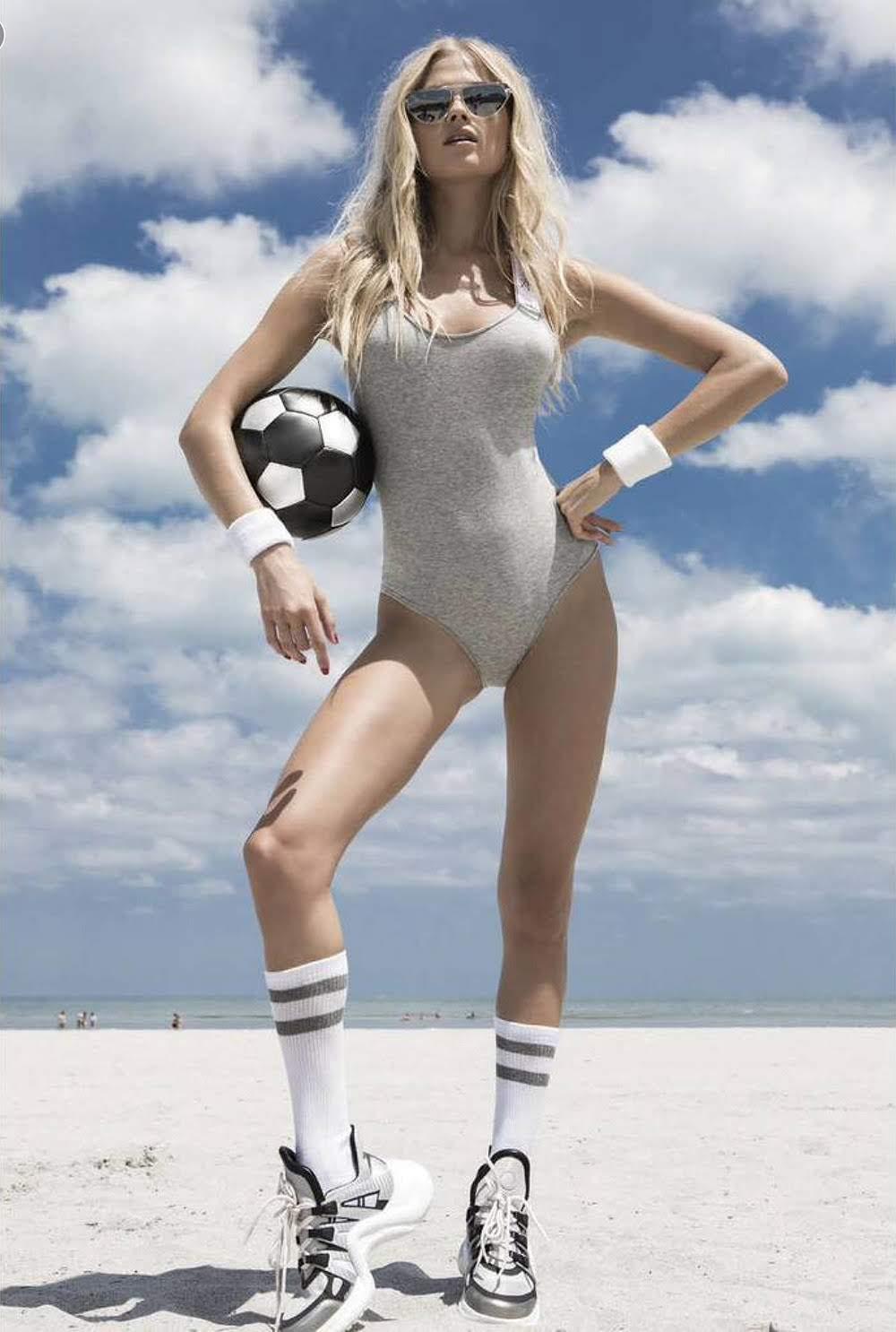 Vita Sidorkina nude (18 foto and video), Tits, Paparazzi, Boobs, cameltoe 2006