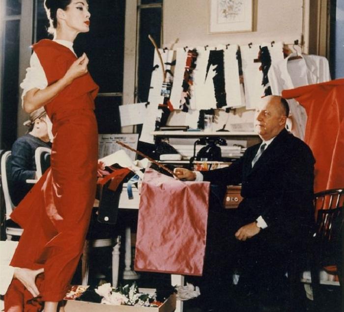Dior exhibit moves to V&A.-minijpg.jpg