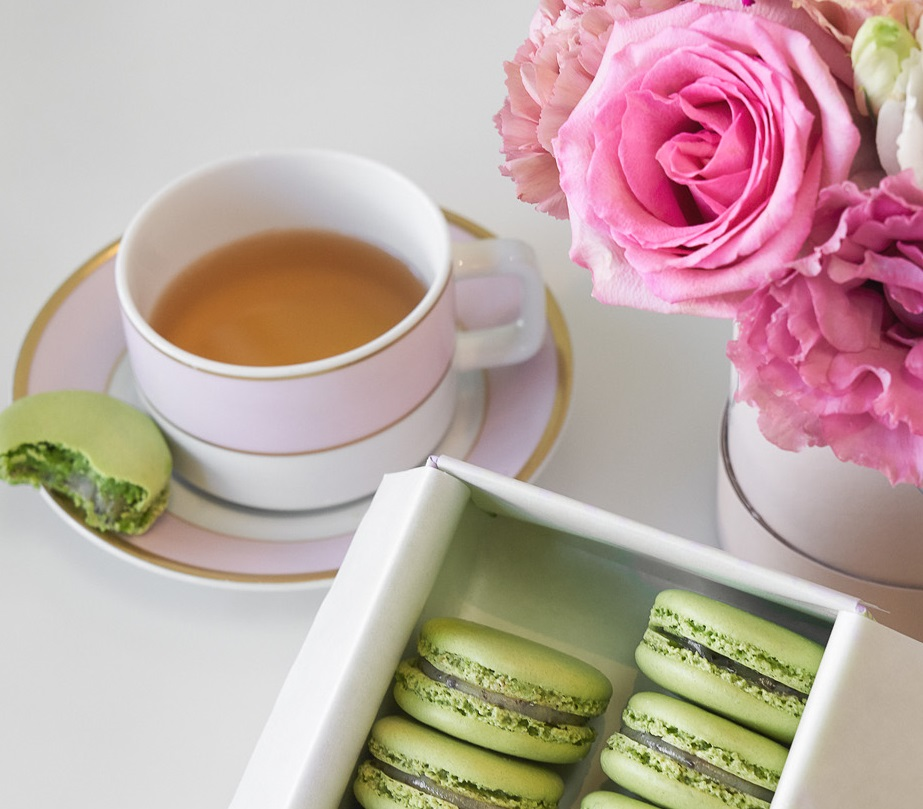 laduree_hemp_macaroon-cropped.jpg