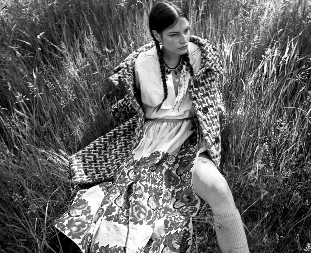Vogue-Spain-August-2018-Faretta-by-Camilla-Akrans-1-2.jpg