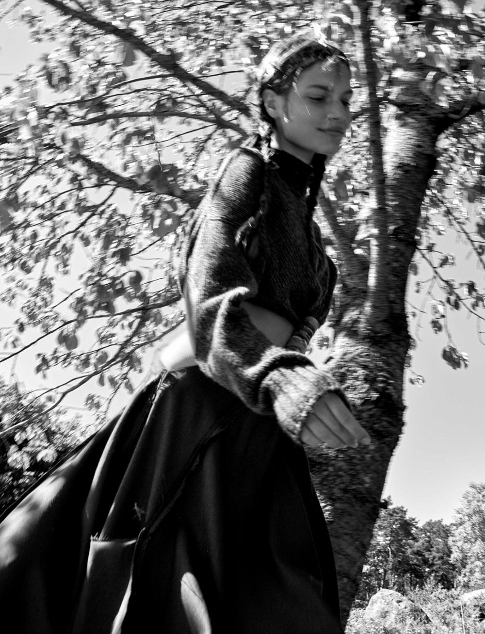 Vogue-Spain-August-2018-Faretta-by-Camilla-Akrans-6.jpg