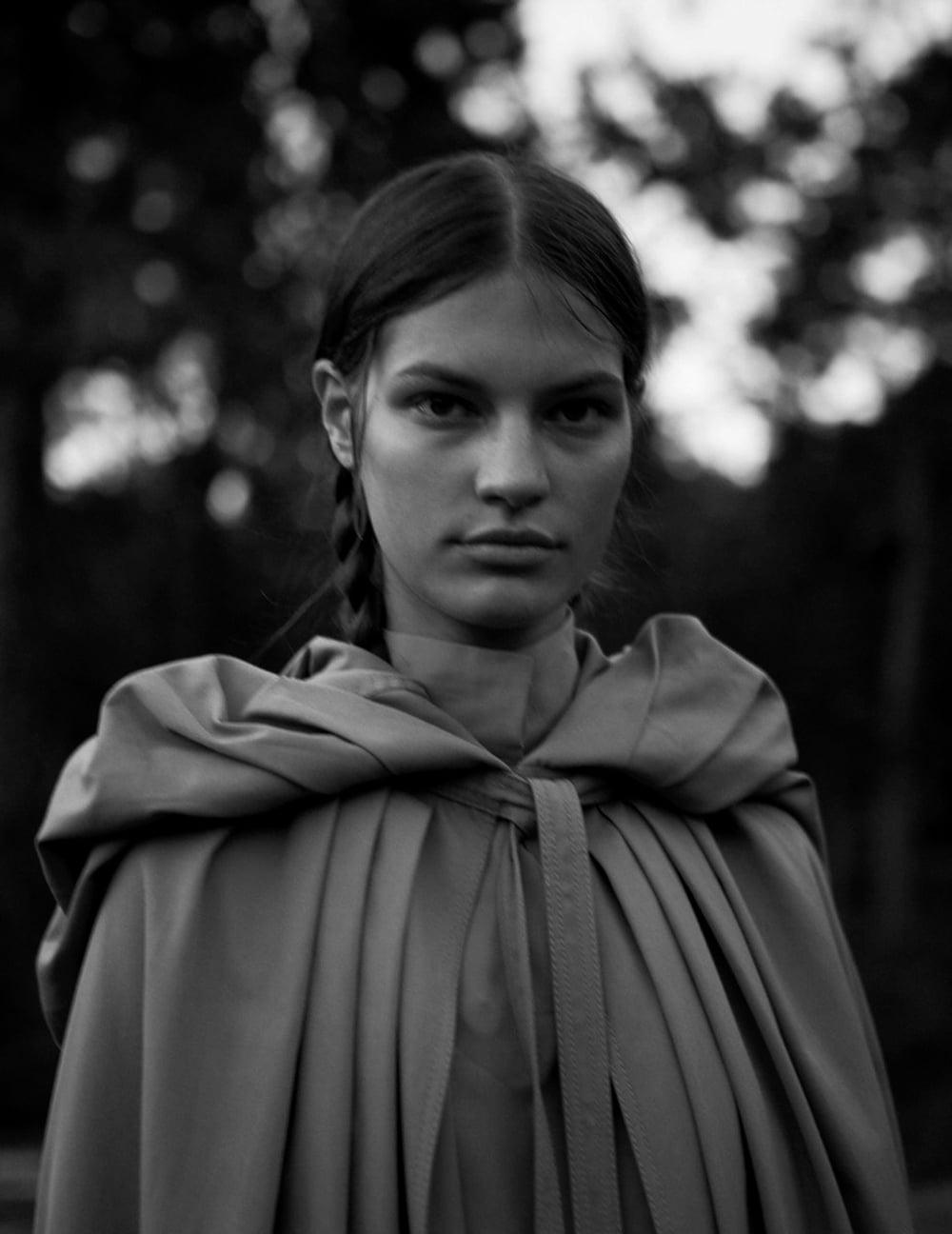 Vogue-Spain-August-2018-Faretta-by-Camilla-Akrans-13.jpg