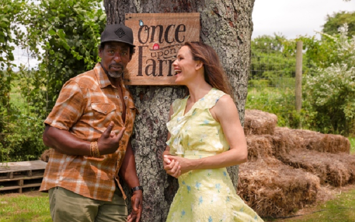 Jennifer Garner and Ron Finley.png