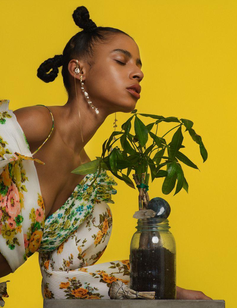Amelia Rami by Ed Maximus for Vogue Italy Aug 2018 (10).jpg