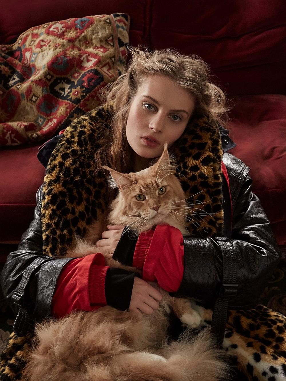 Harpers-Bazaar-UK-Septamber-2018-Florence-Kosky-Agata-Pospieszynska-2.jpg