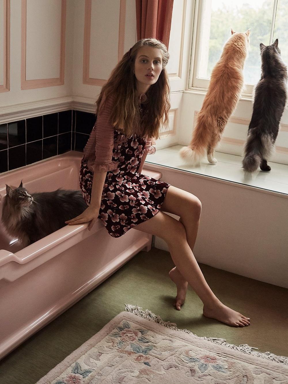 Harpers-Bazaar-UK-Septamber-2018-Florence-Kosky-Agata-Pospieszynska-8.jpg