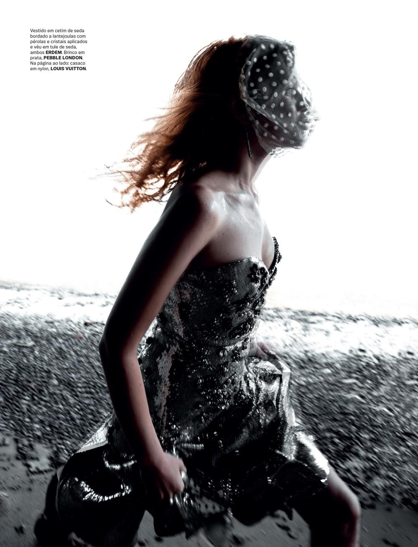 Vogue-Portugal-Nika-Rusakova-Filip-Koludrovic-12.jpg