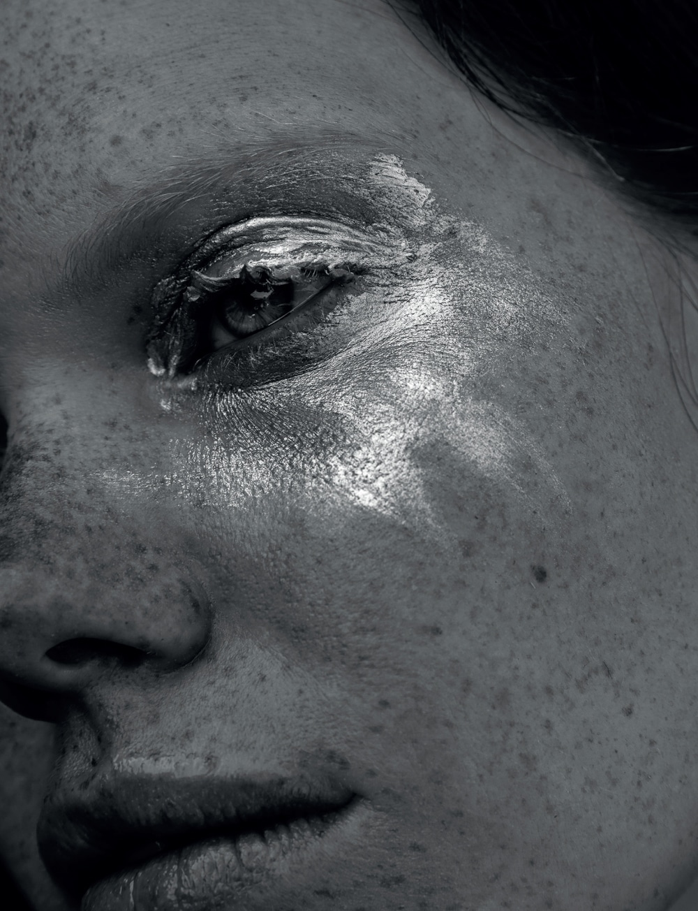 Vogue-Portugal-Nika-Rusakova-Filip-Koludrovic-13.jpg