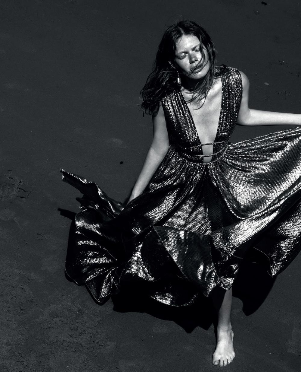 Vogue-Portugal-Nika-Rusakova-Filip-Koludrovic-14.jpg