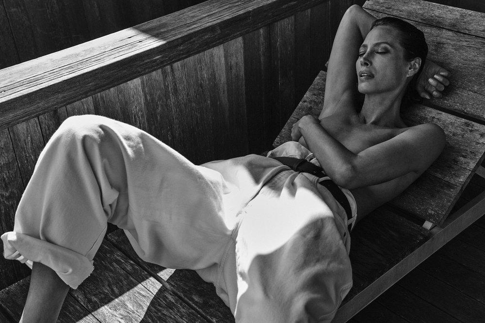 Christy Turlington by Chris Colls for Vogue Poland September 2018 (13).jpg