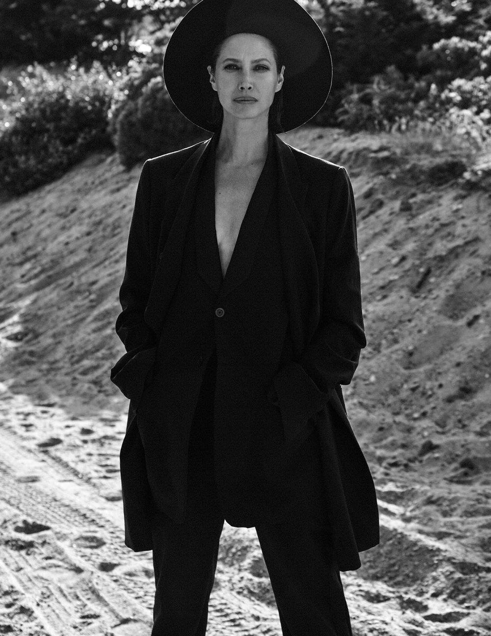 Christy Turlington by Chris Colls for Vogue Poland September 2018 (19).jpg
