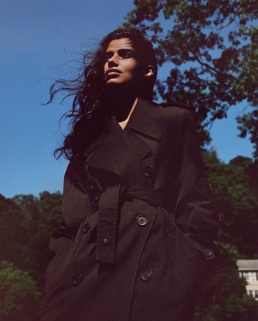 Vogue-Russia-Pooja-Mor-Buzz-White-9.jpg
