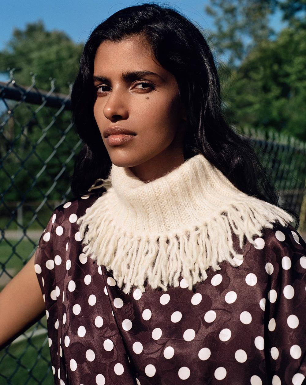 Vogue-Russia-Pooja-Mor-Buzz-White-10.jpg