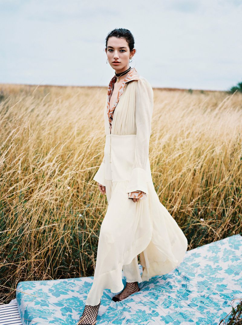 Mckenna Hellam by Julia Champeau for Sunday Times Style (5).jpg