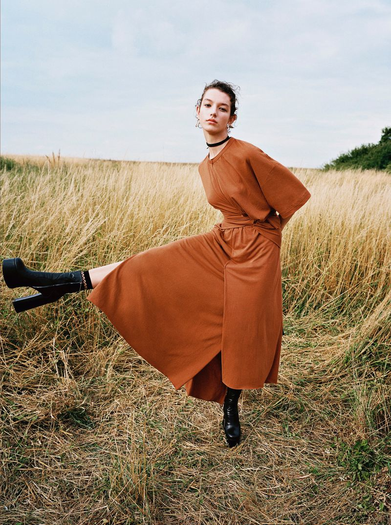 Mckenna Hellam by Julia Champeau for Sunday Times Style (9).jpg